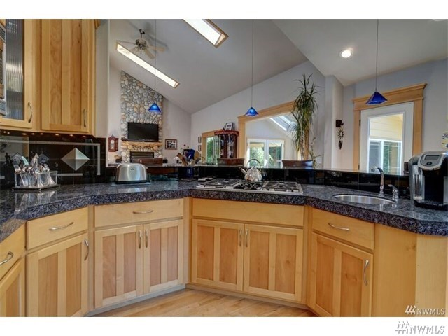 Very Unique 2 Homes In Orting Heilbrun Home Team
